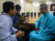 Harsha Raj Gatty [Mass Comm (MCMS) student at St Aloysius College] interviewing Rajdeep Sardesai for Community Radio SARANG 107.8FM. Radeep expressed his deep faith in this new phenomenon of Community Radio to give voices to the neglected sections of society.